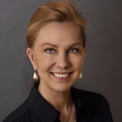 Kristin Speer headshot